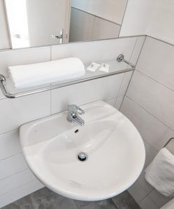 Hotel-Moderna-bagno_01