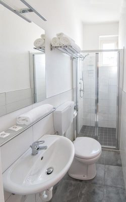 Hotel-Moderna-bagno_02