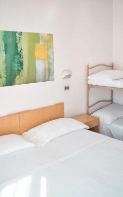 Hotel-Moderna-quadrupla-02